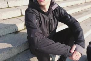 Smarte Jacke heizt sich automatisch auf Wunschtemperatur auf